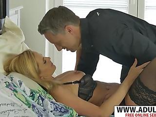 Hawt fresh mom lili peterson seduces nice touching dad's henchman