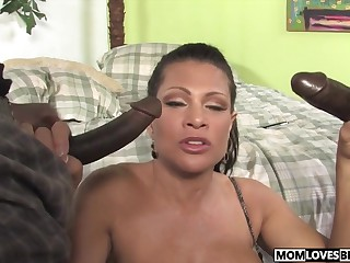 Teri Weigel takes four disastrous cocks in mandate be fitting of the brush lassie