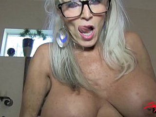 Mommy the facesitter takes creampie foreign son  mature young