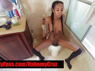 HOT EBONY FREAK DOES In the money ALL l!!!!!!!