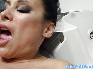 MILF Sheila Marie squirting instantly fucked