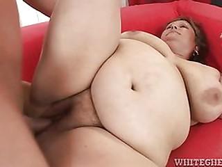 Fat brunette granny slut gets her hairy pussy fucked hard!